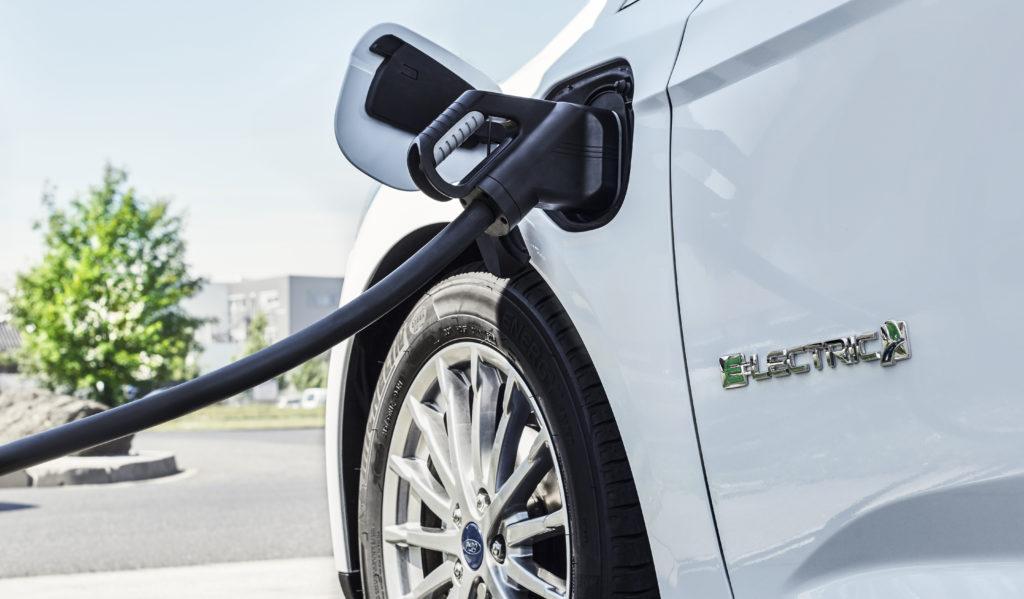 elektrische Beladung eines Ford-Focus