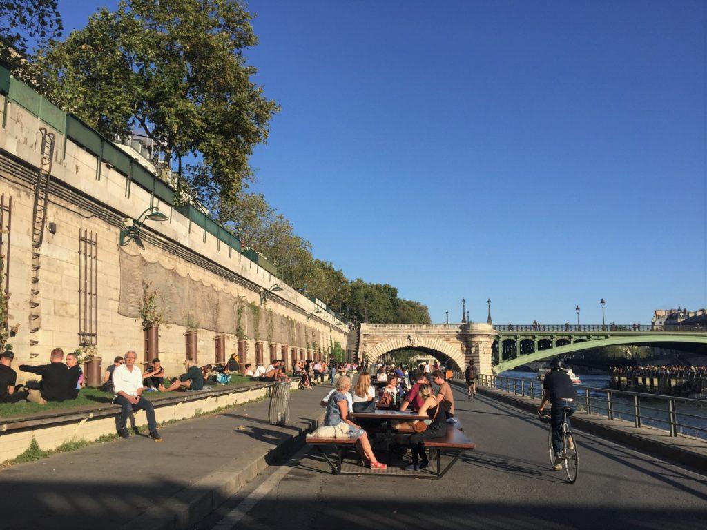 Radweg entlang der Seine in Paris