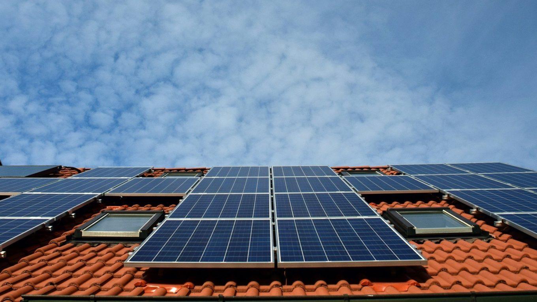 Dach mit Solarkraftwerk