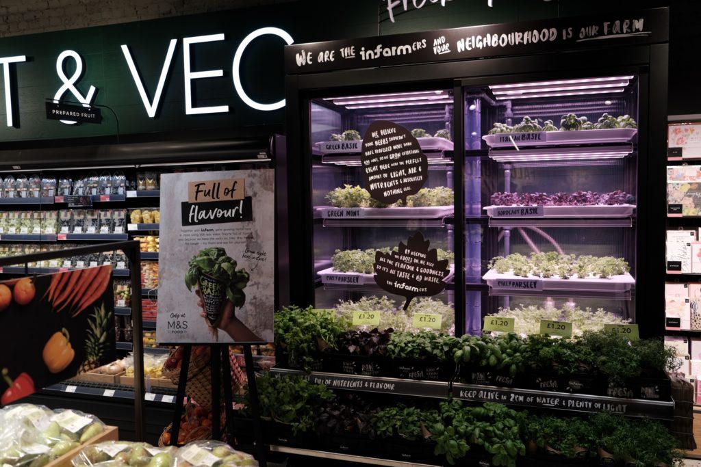 Kleinfarm in einem Supermarkt