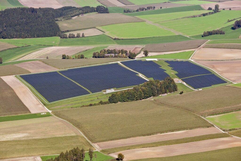 Frankreich baut um: Strom vom Acker statt Atomstrom
