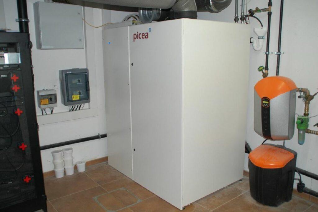 Wassertoff-Hauskraftwerk, installiert im Keller