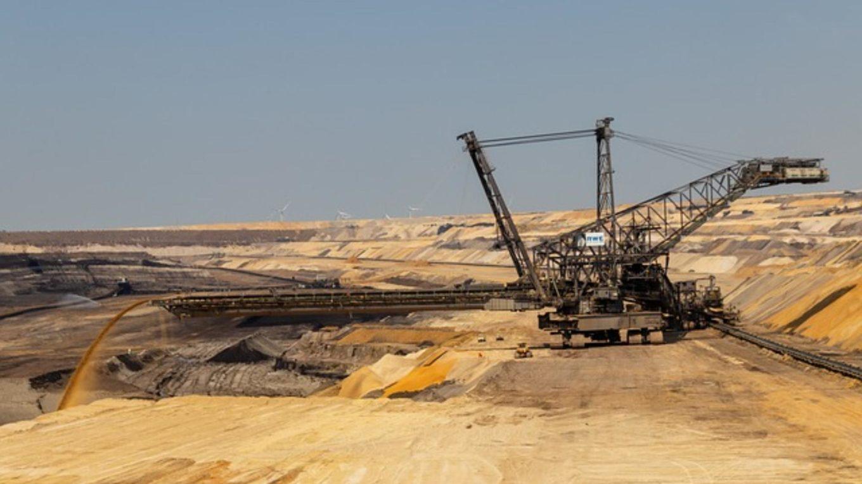 Braunkohleförderung im Tagebau zerstört ganze Landstriche