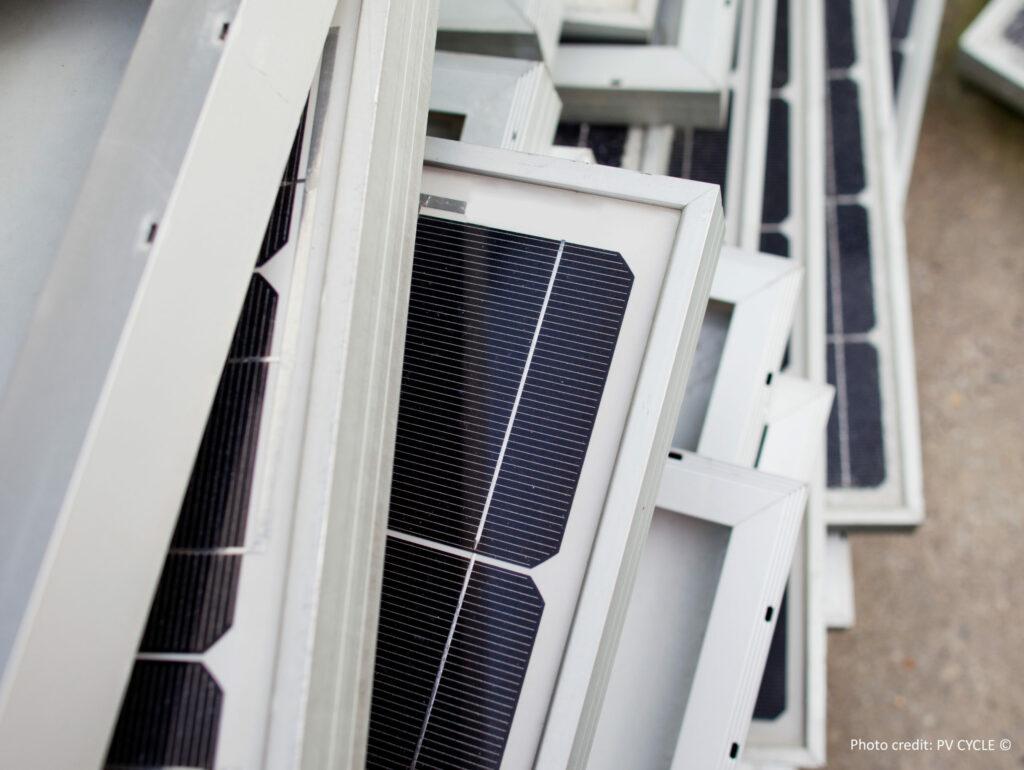 Sammelplatz für ausrangierte Solarmodule