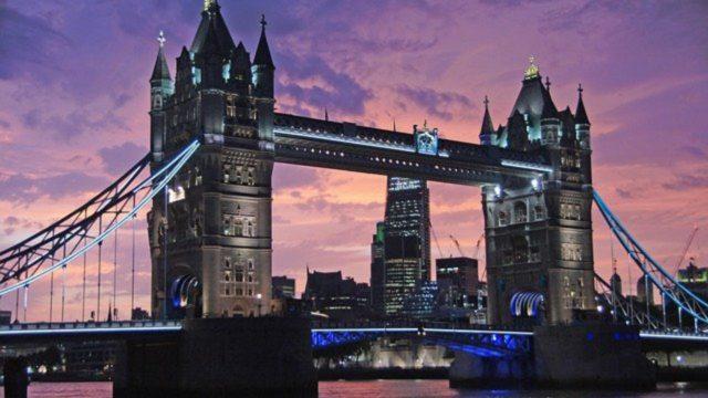 ondoner Skyline mit Tower Bridge