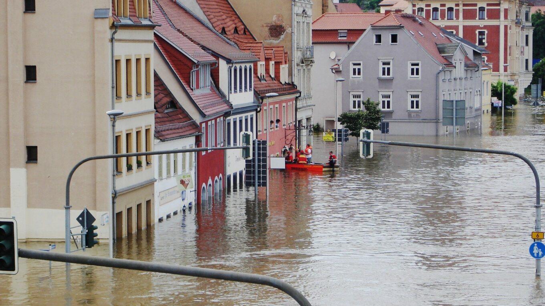 Überschwemmte Altstadt von Meißen bei Elbhochwasser